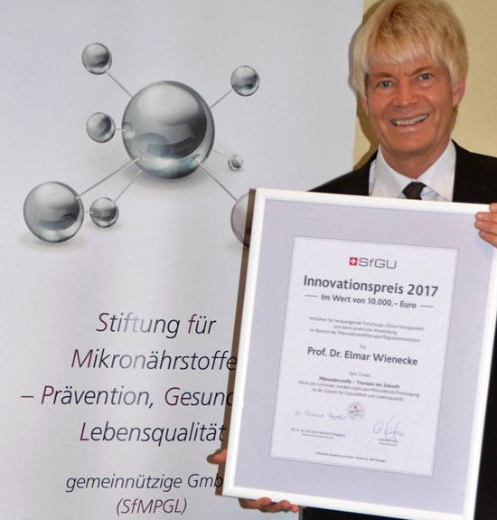 Innovationspreis für Forschungen von Prof. Dr. Elmar Wienecke für Themen Mikronährstoffe und Regulationsmedizin